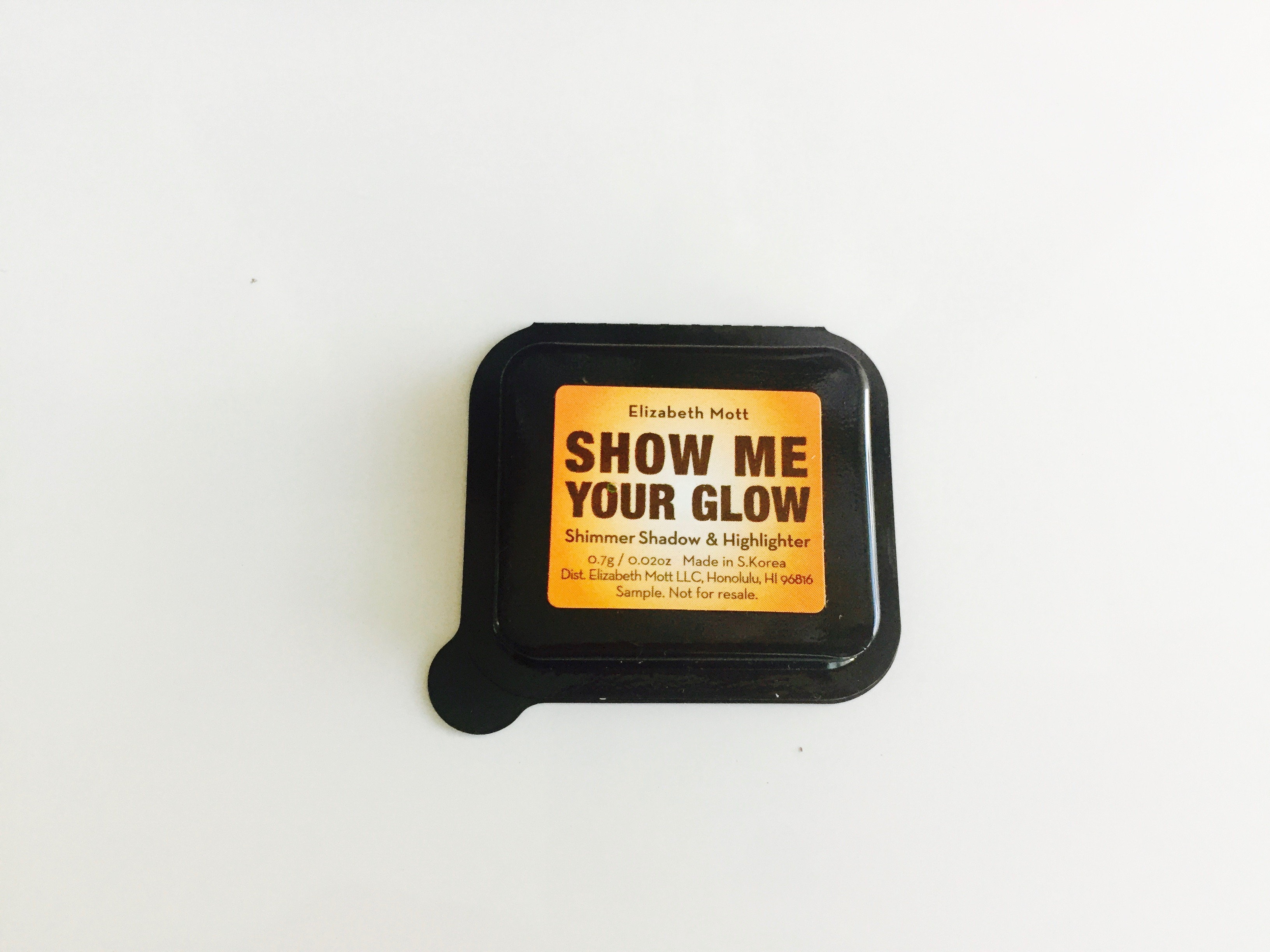 Elizabeth Mott Show Me Your Glow Shimmer Shadow & Highlighter